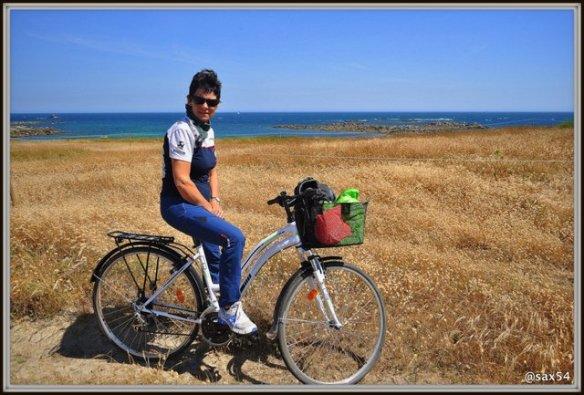 In bicicletta tra i vicoli e sentieri dell'isola di Batz