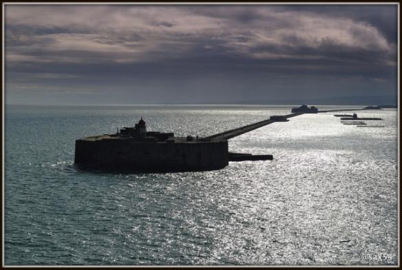 Francia l'entrata nel porto di Cherbourg